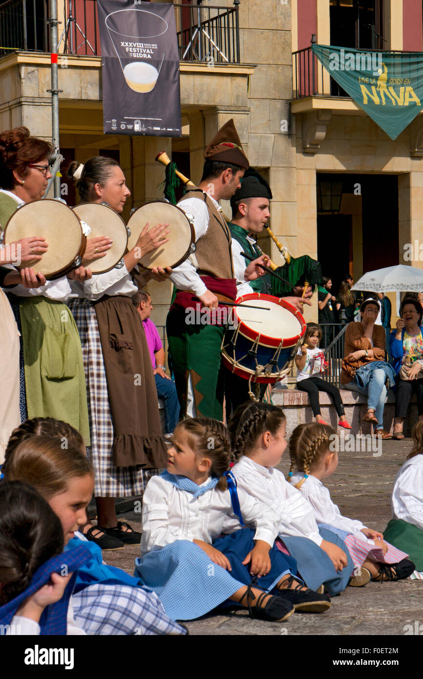 Traditional Costume and dancers at the Cidre Festival in Nava,Asturias,Northern Spain - Stock Image
