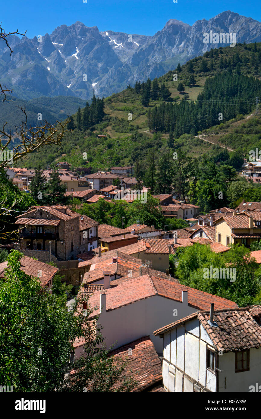 Rooftops of Potes with Picos de Europa behind,Asturias,Northern Spain - Stock Image