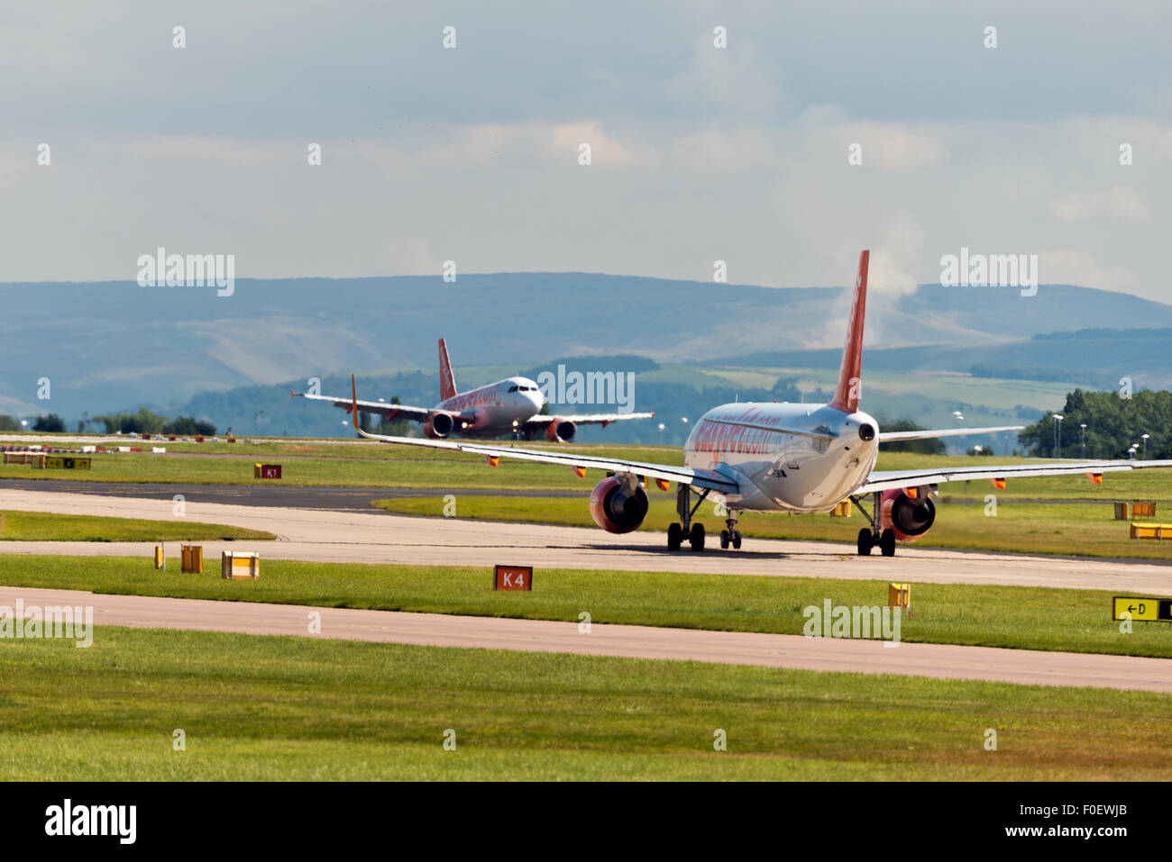 easyJet Airbus A320-200 Manchester Airport england uk arrivals departures - Stock Image