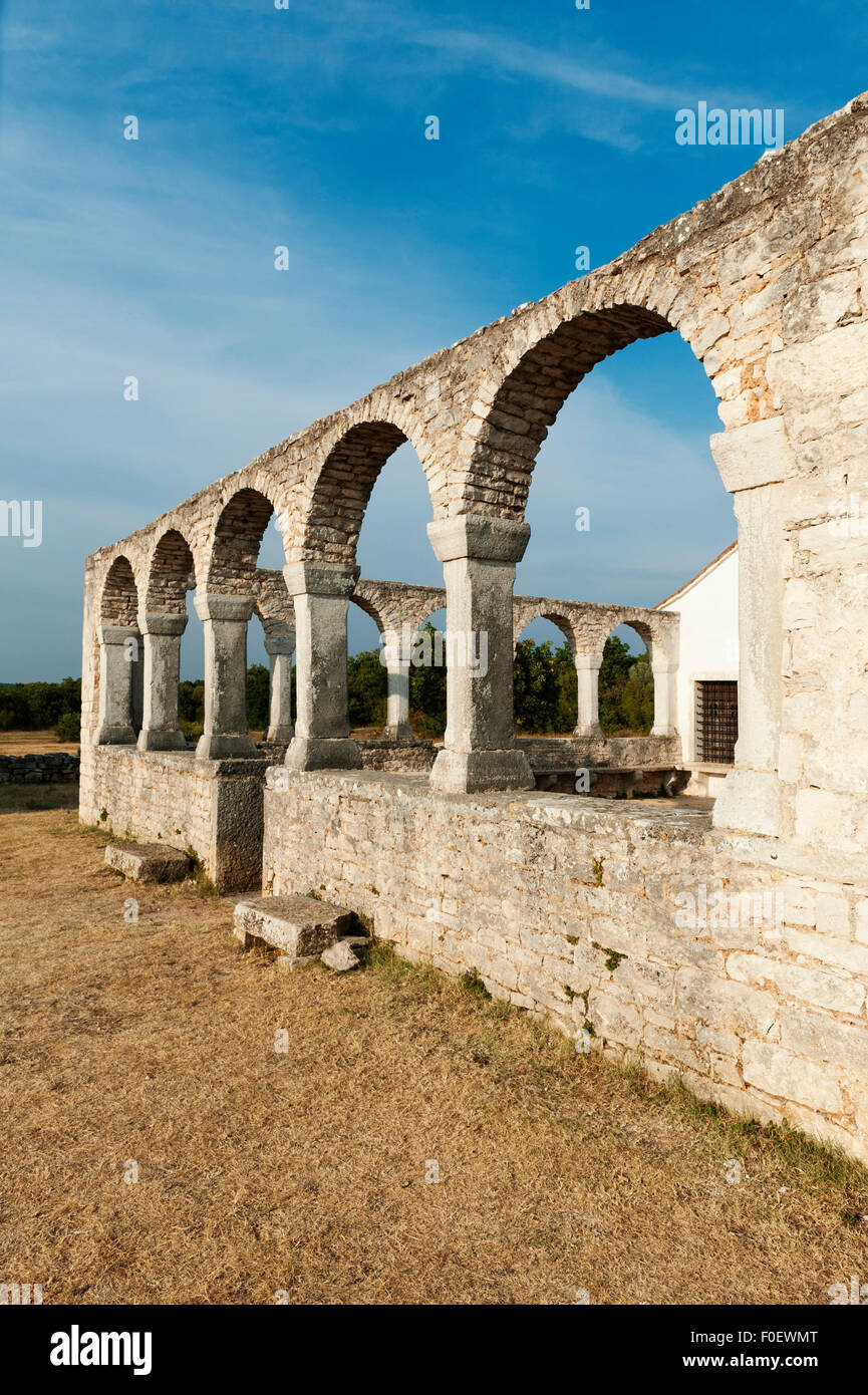 Mednjan, Istria, Croatia. The 8c Romanesque church of St Fosca, a place of pilgrimage, famous for its energy and - Stock Image