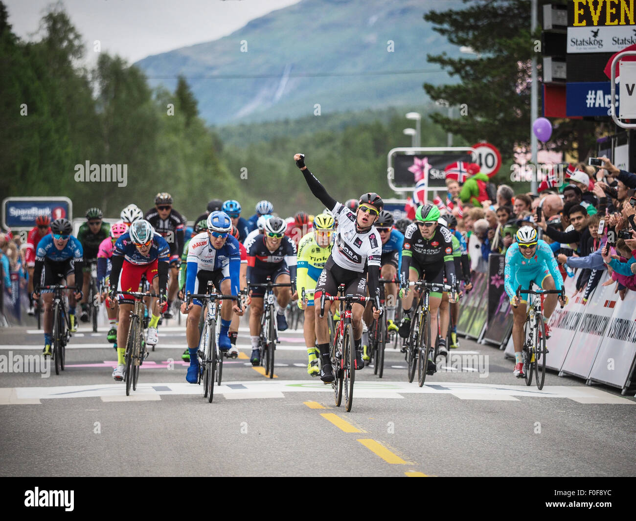 Setermoen, Norway. 14th August 2015. Sam Bennett from Ireland cycling for Bora-Argon 18 is winning the 2nd stage - Stock Image