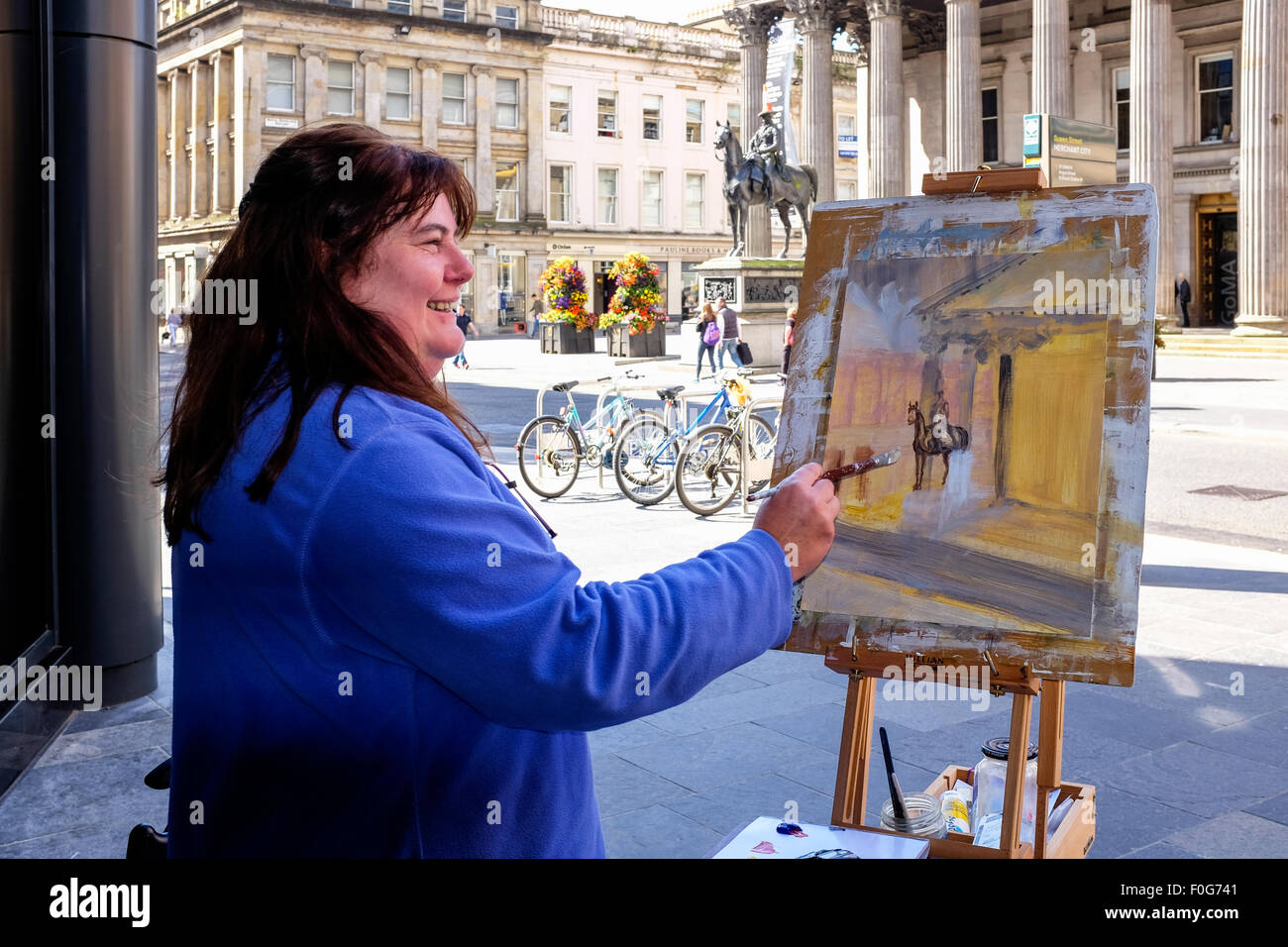 Glasgow, Scotland, UK. 15th Aug, 2015. Almost 150 artists came to Glasgow to take part in the 'Rapid Painter' - Stock Image
