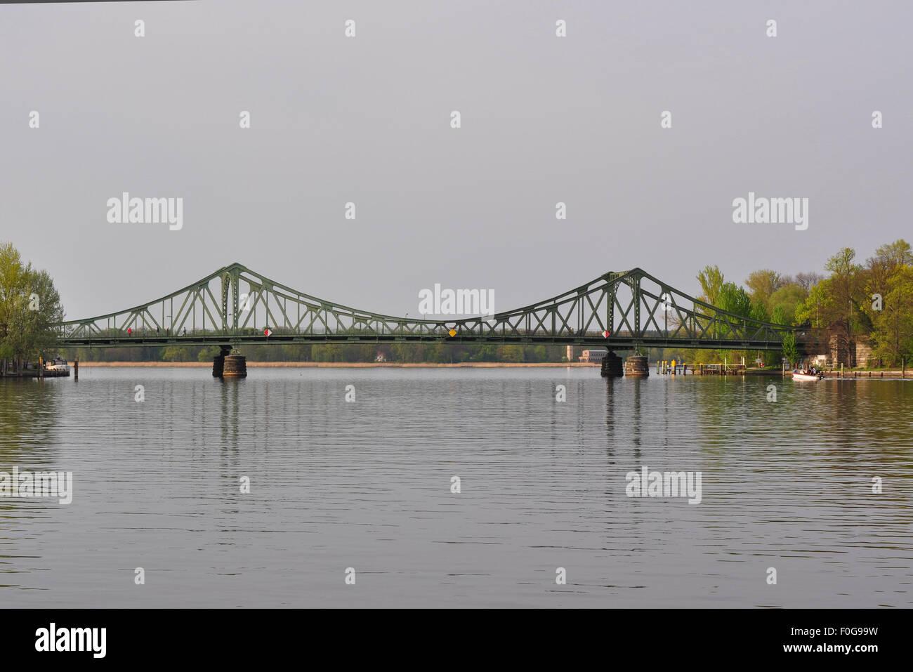 Glienicker Brücke, gesehen vom Schloßpark Babelsbnerg / seen from park of Babelsberg castle, Potsdam, - Stock Image