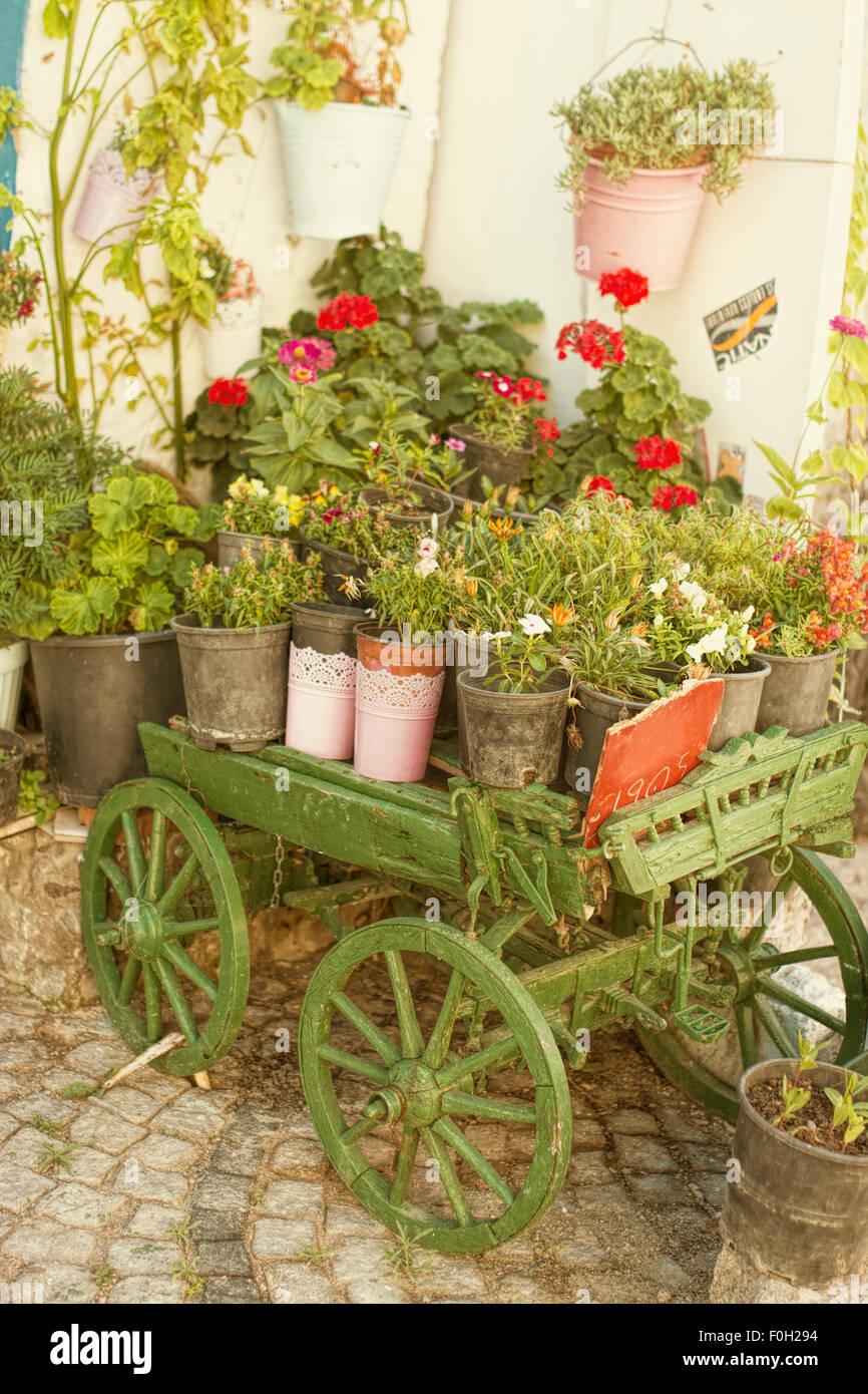 Wagon Wheel As Decoration Stock Photos & Wagon Wheel As Decoration ...