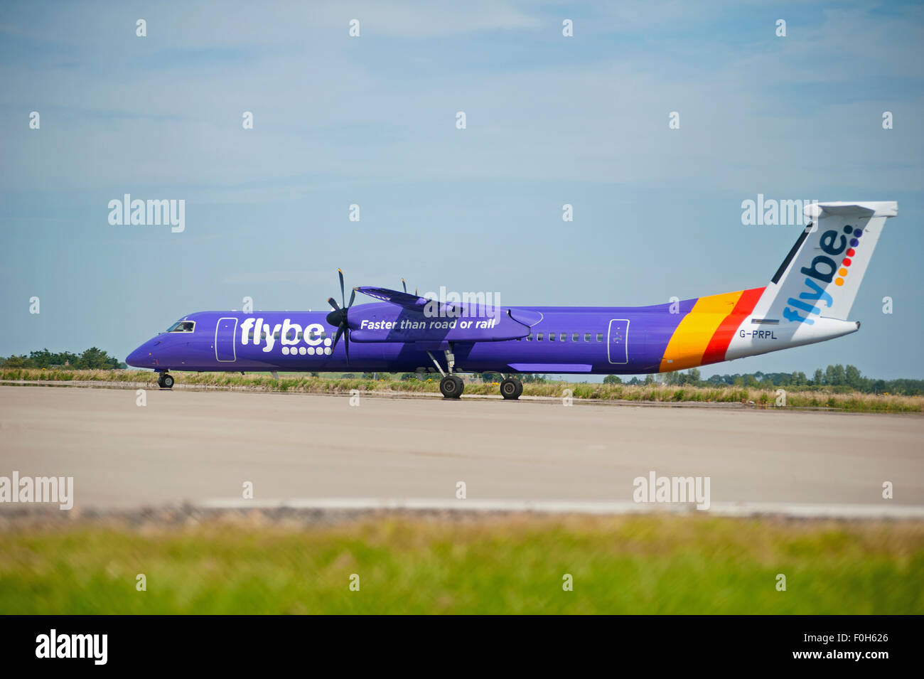 Bombardier 8-402 Q400 Dash Eight (G-PRPL) Flybe Turboprop Airliner.  SCO 10,031 - Stock Image