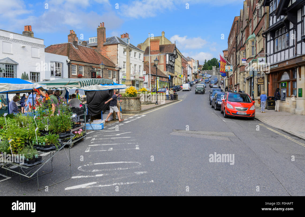 Arundel High Street. Looking up the High Street in the small Medieval town of Arundel in West Sussex, England, UK. - Stock Image
