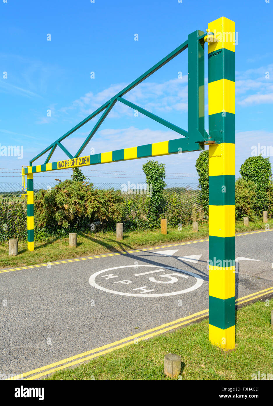2.06m Maximum height barrier at the entrance to the West Beach car park in Littlehampton, West Sussex, England, - Stock Image