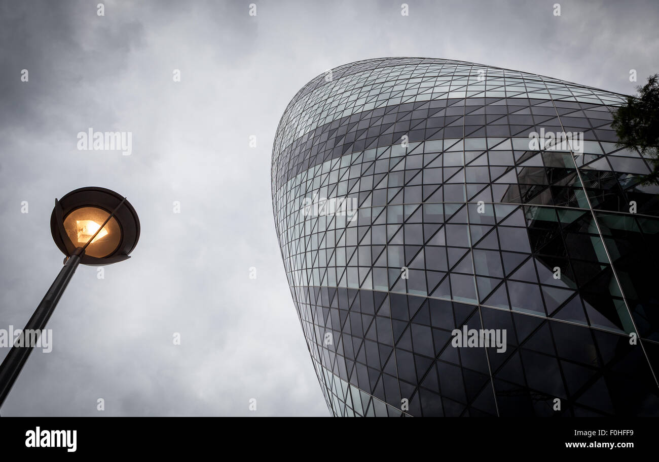 Looking up at 30 St Mary Axe - Stock Image