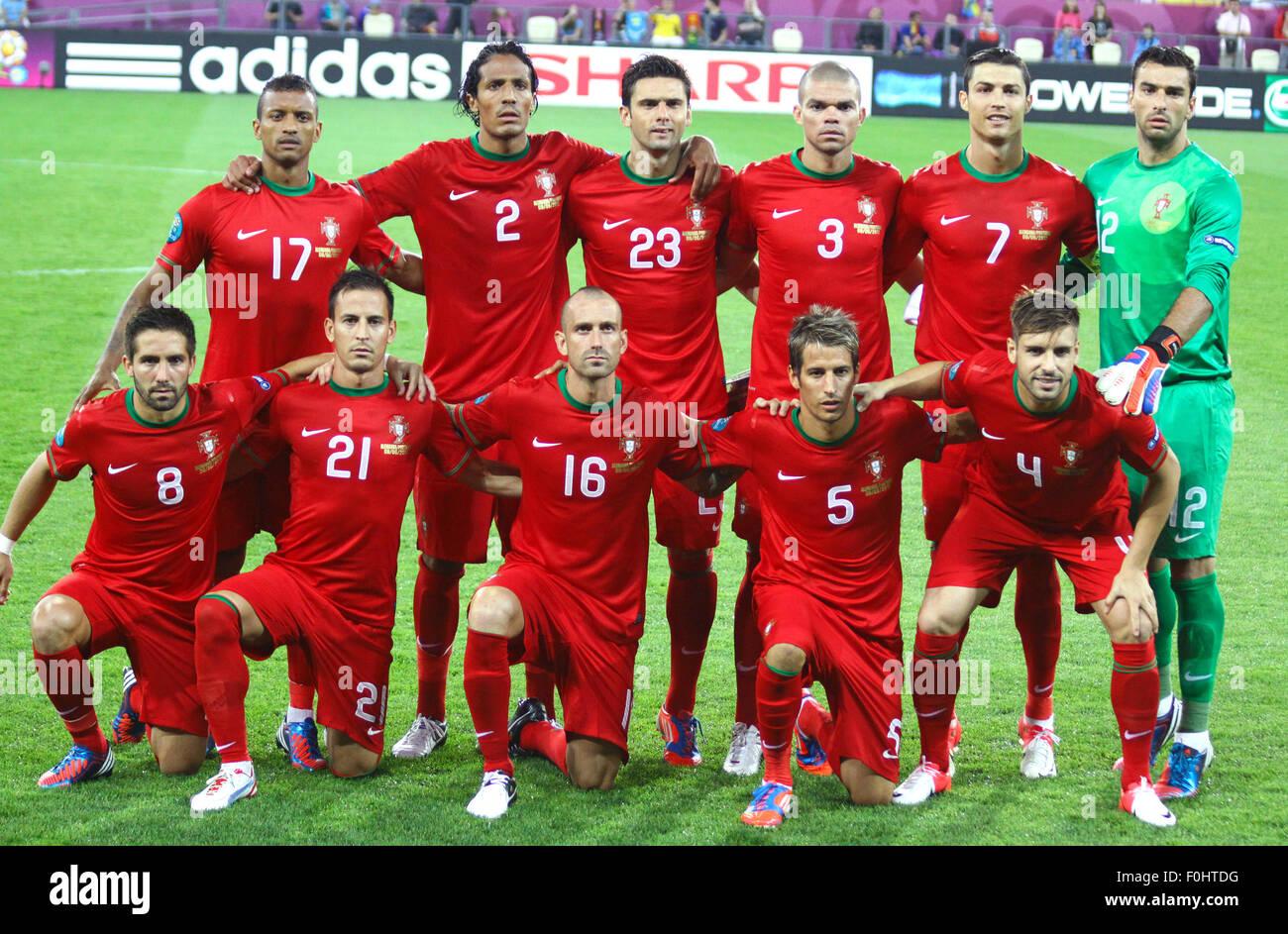 512d2b074 LVIV, UKRAINE - JUNE 9, 2012: Portugal national football team pose for a