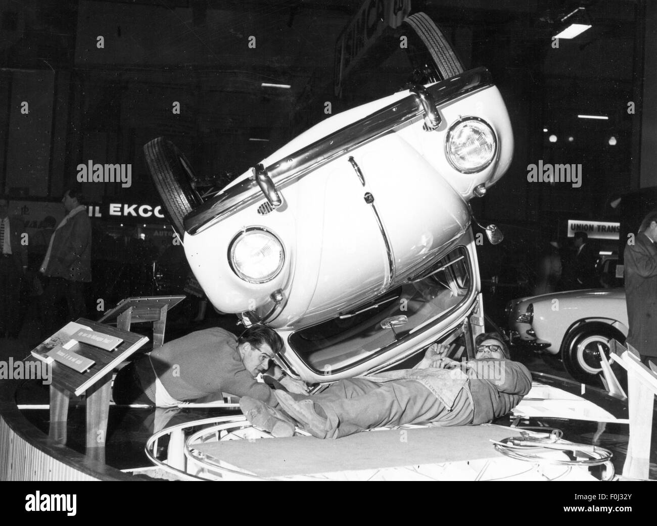 transport / transportation, car, motor show, booth of Volkswagen with VW beetle, London, 16.10.1962, Additional - Stock Image