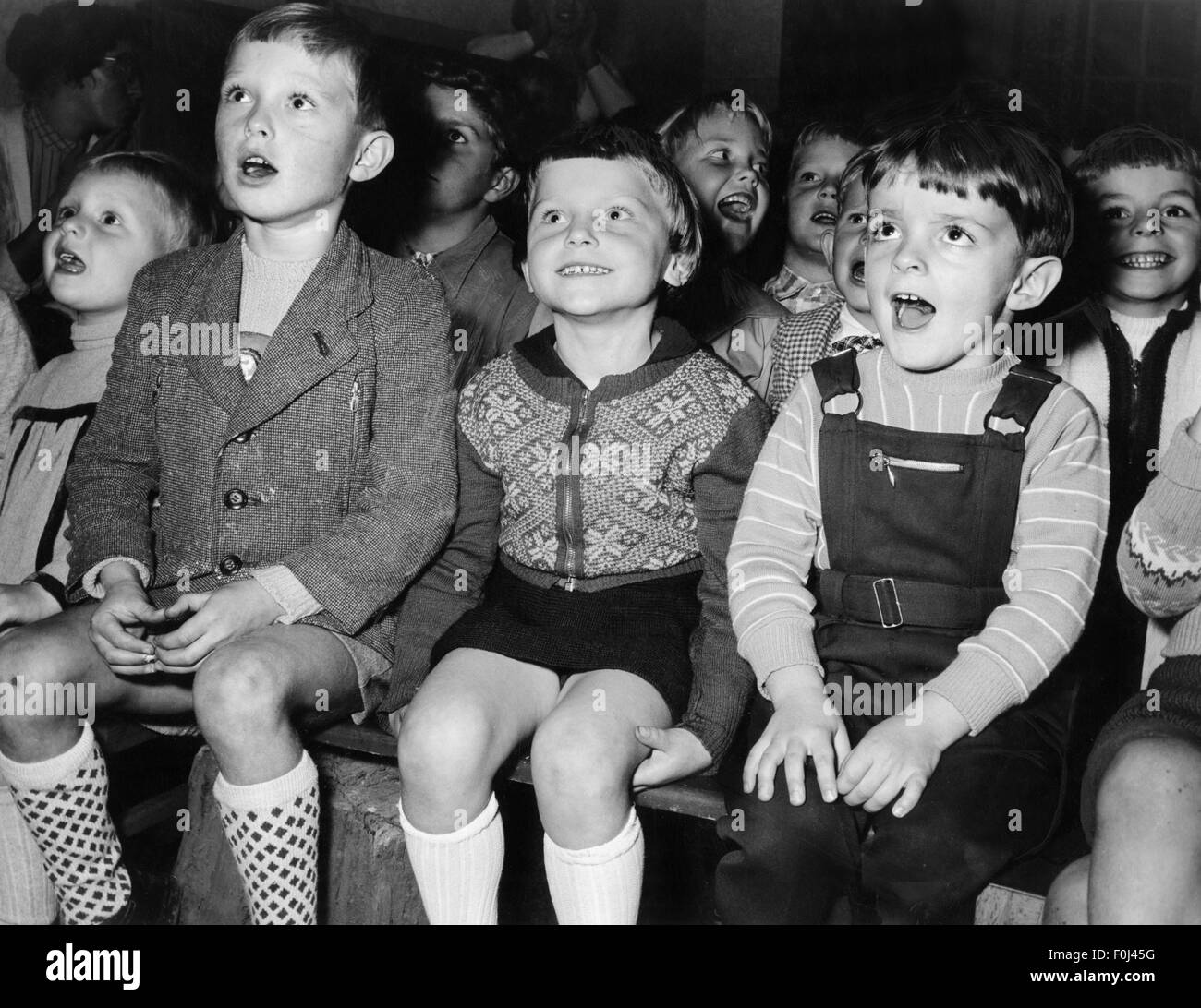 theatre / theater, audience, group of children following a performance of a Punch and Judy show, 1950s, Additional Stock Photo