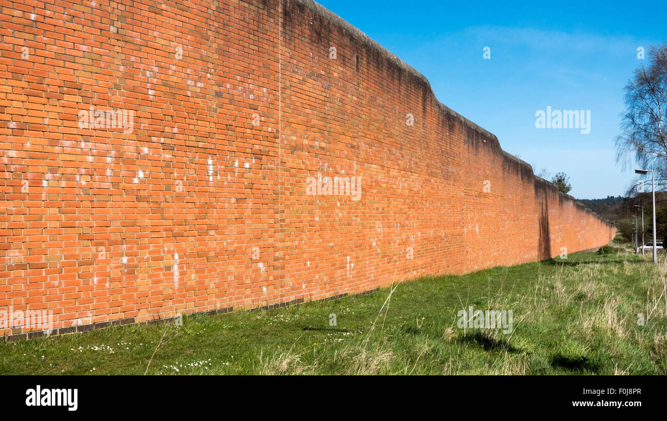 Boundary Wall of Broadmoor Mental Hospital, Crowthorne, Berkshire -3 - Stock Image