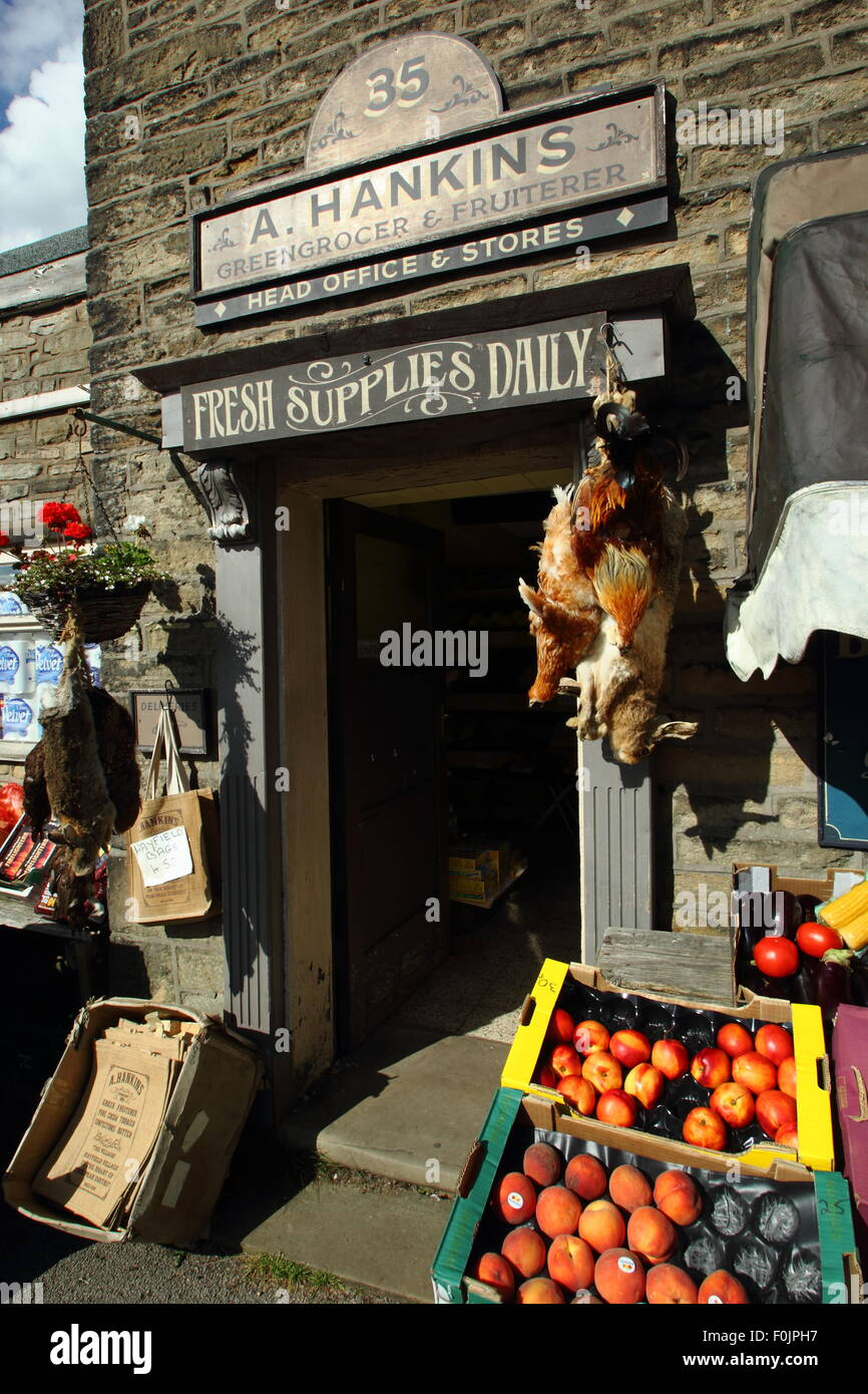 'Hankins Greengrocer and Fruiterer' in Hayfield, Derbyshire - used as a filming location by the BBC for - Stock Image