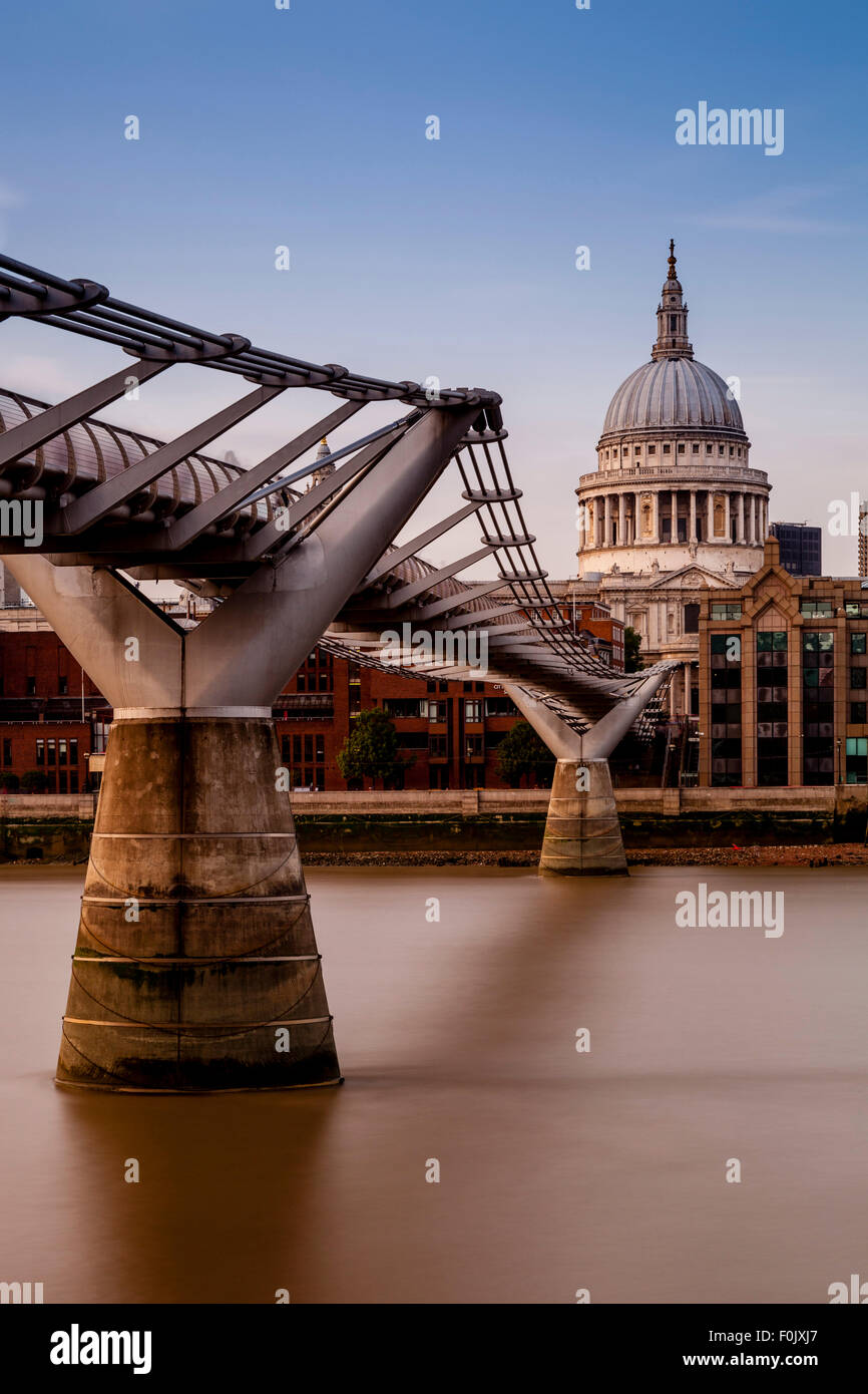 The Millennium Bridge and St Paul's Cathedral, London, England - Stock Image