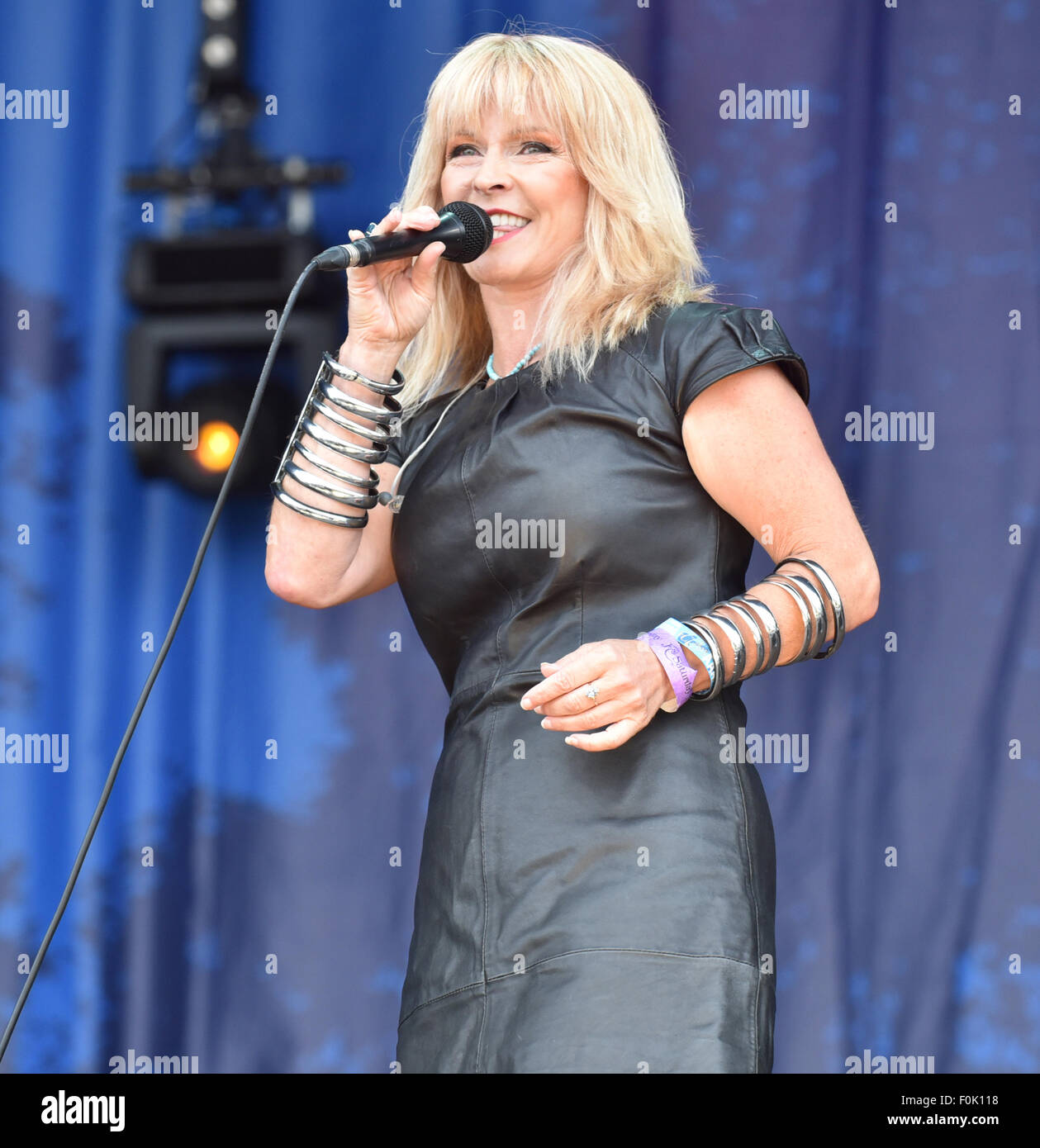 Oxfordshire, UK. 15th Aug, 2015.  Picture :Cropredy Oxfordshire UK. Fairports Cropredy Convention: Toyah performing - Stock Image