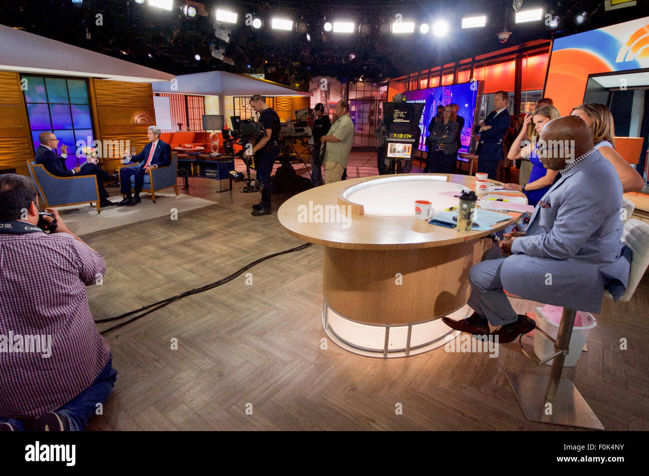 'Today' Show Co-Hosts Roker, Guthrie, Morales Look on as Fellow Co-Host Lauer Interviews Secretary Kerry - Stock Image