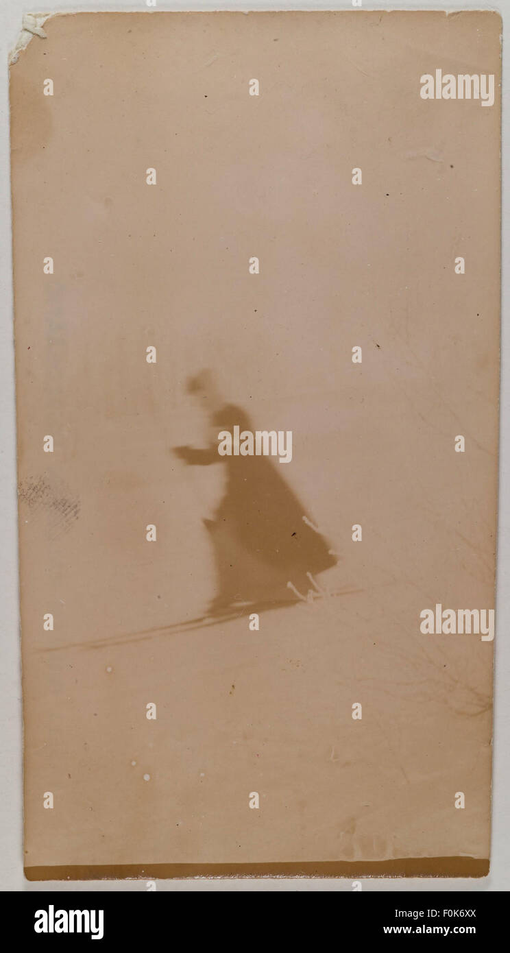 Mary Gallén skiing in Malmi, Helsinki, 1890. Mary Gallén skiing in Malmi, Helsinki, 1890 - Stock Image