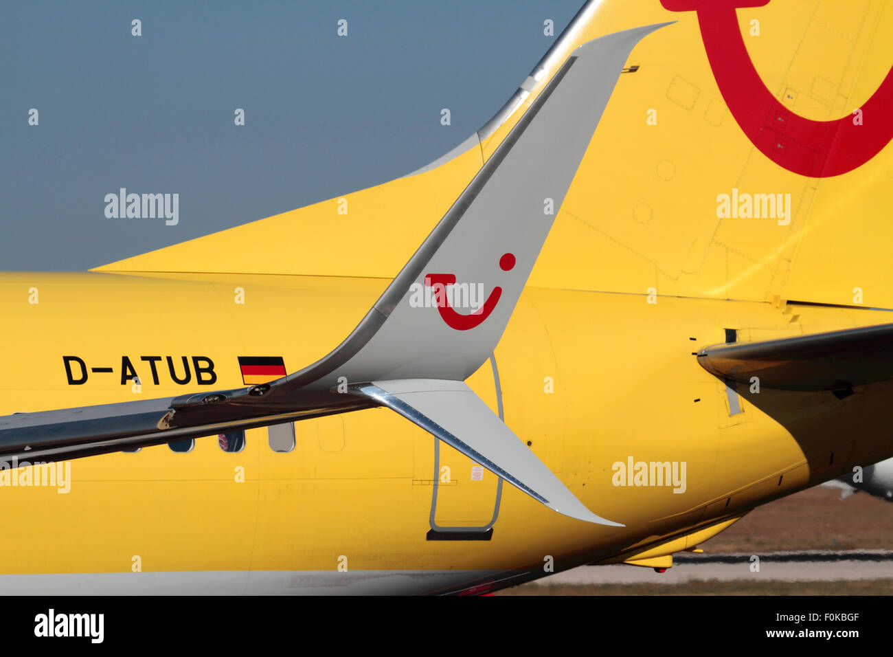 Technology in commercial aviation. Close-up of the split scimitar winglet design on a TUIfly Boeing 737-800 - Stock Image