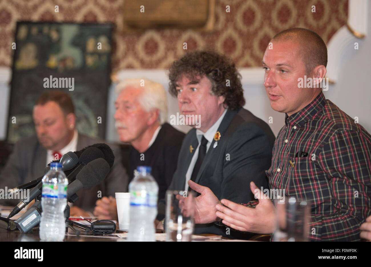 Joe Rollin speaks at the press conference held at the NUM headquarters in Barnsley - Stock Image