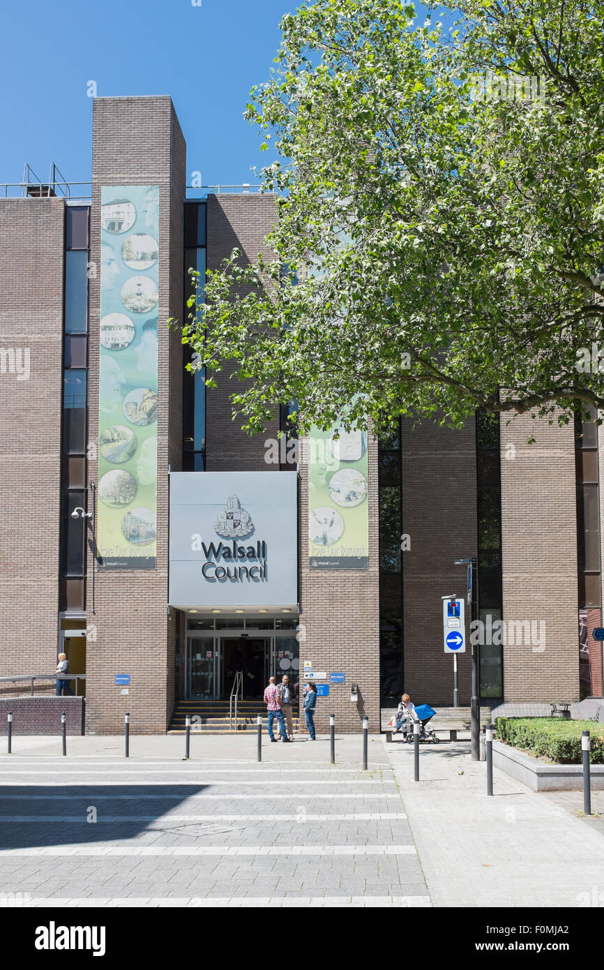 Walsall Metropolitan Borough Council offices at The Civic Centre, Darwall Street, Walsall - Stock Image