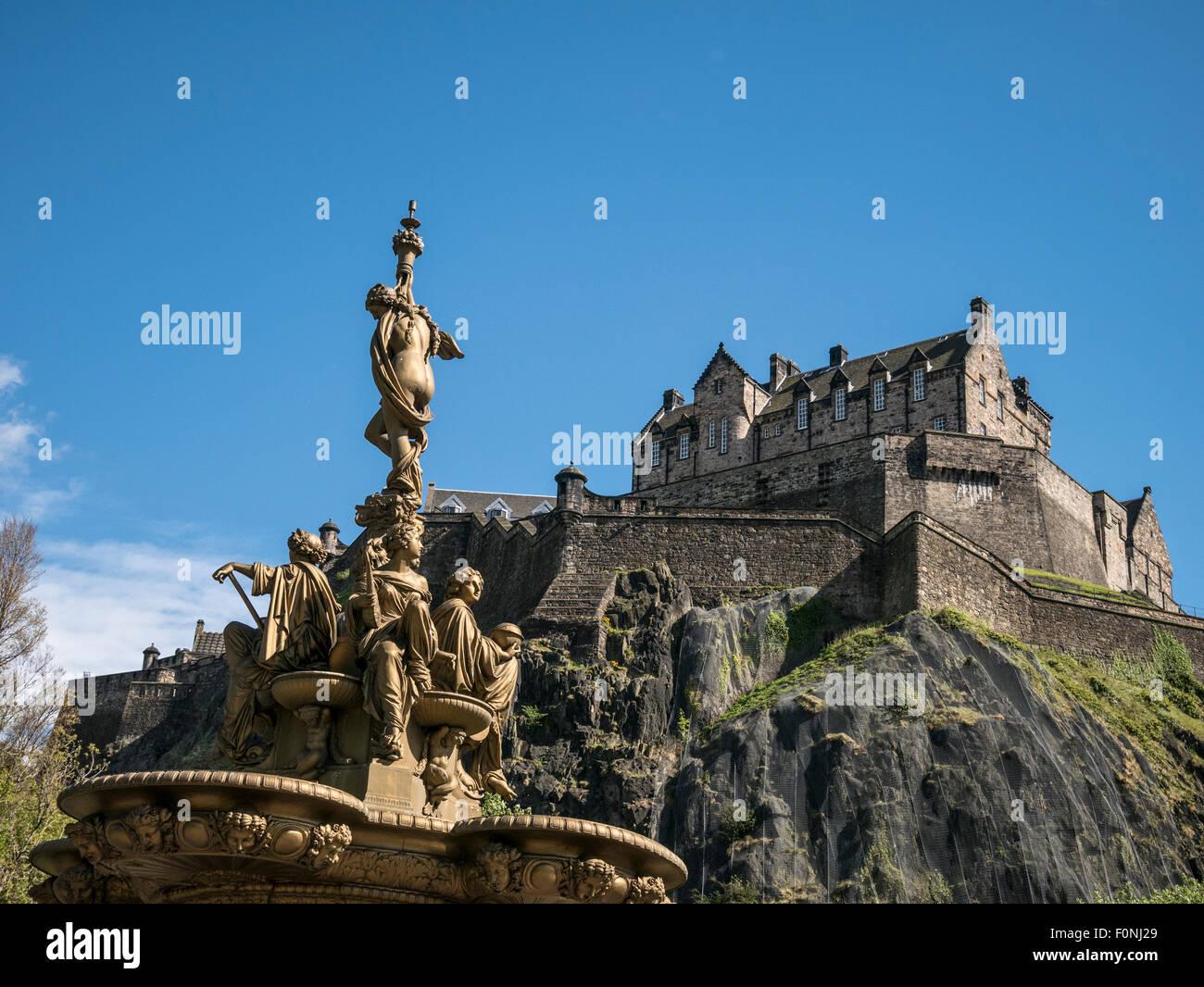 Edinburgh Castle and Fountain Scotland UK - Stock Image