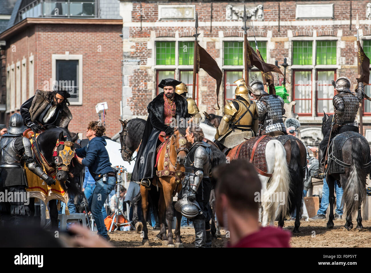 Ghent, Belgium. 19th August, 2015. Actors Adrien Brody, in the role of Charles the Fifth, and Michael Pas on filmset - Stock Image