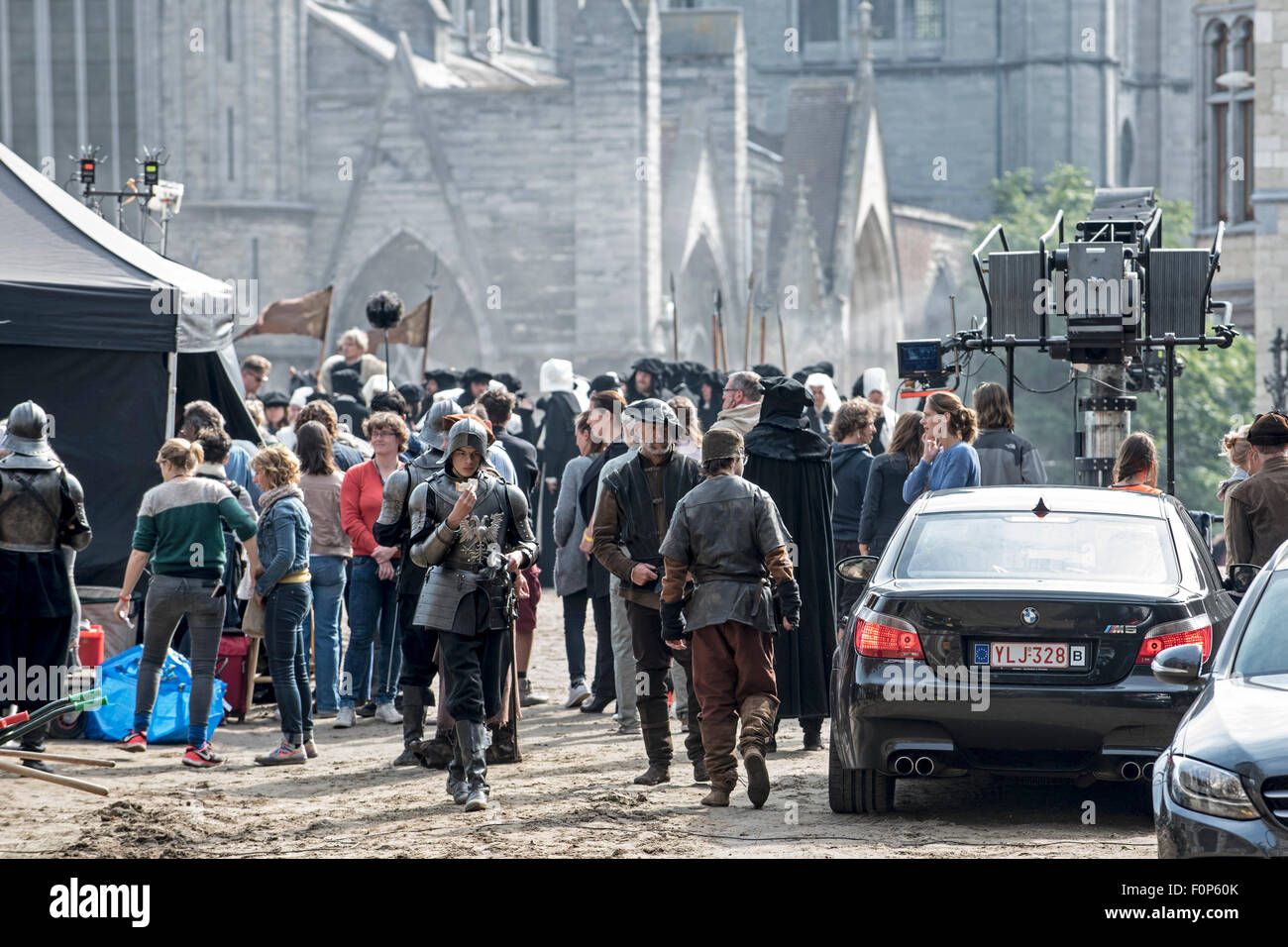 Ghent, Belgium. 19th August, 2015. Background actors on filmset in Ghent, Belgium of the Hollywood production 'Emperor', - Stock Image