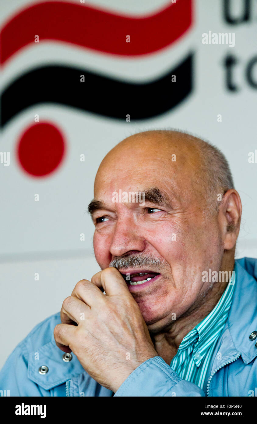 Mikhail Ignatevich Kukobaka, a Soviet dissident and opponent of the 1968 invasion of Czechoslovakia, speaks to journalists Stock Photo