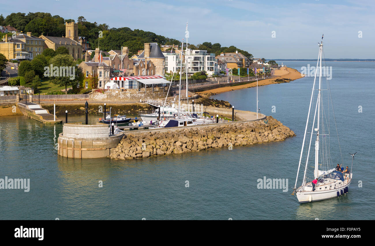 The Royal Yacht Squadron at the entrance to the Medina River in Cowes on the Isle of Wight. The famous club is 200 Stock Photo