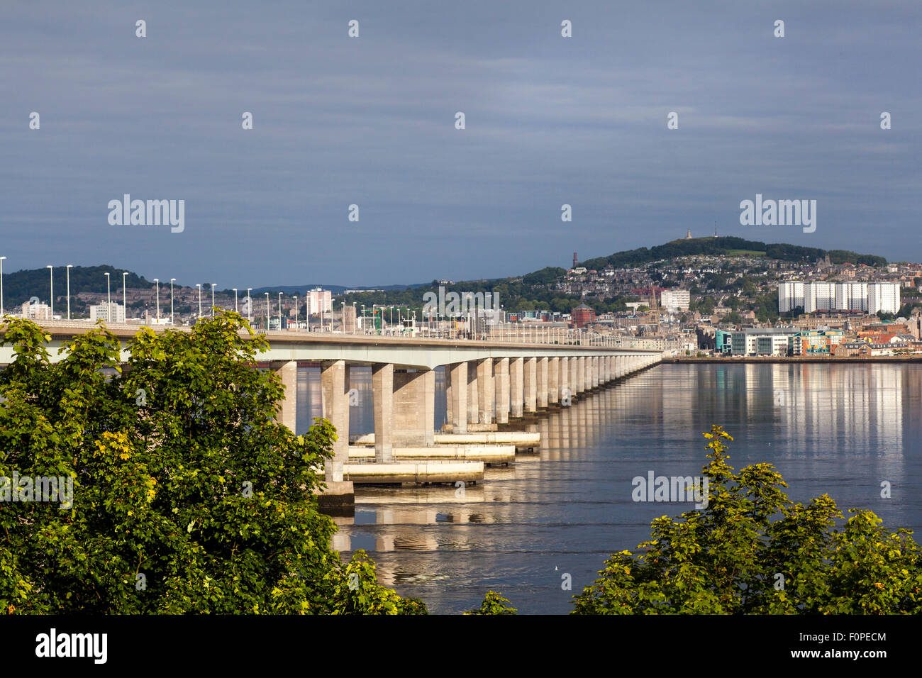 Firth of Tay from Newport-on-Tay in Fife to Dundee skyline. Tay Bridge across the river at  Dundee Scotland uk - Stock Image
