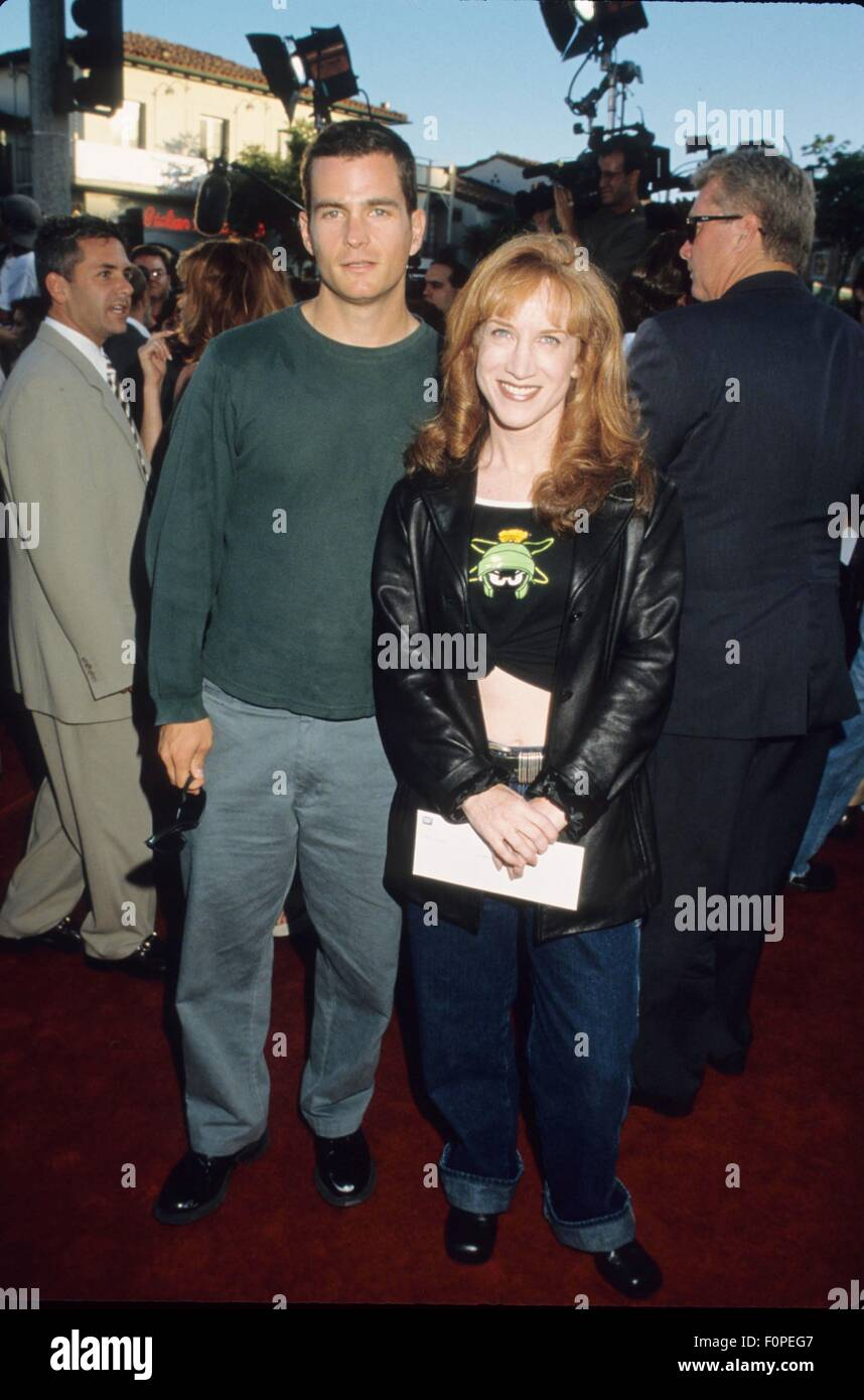KATHY GRIFFIN with David Strickland at Theres Something abourt Mary premiere in Los Angeles Ca. 1998.i2450ta. © - Stock Image