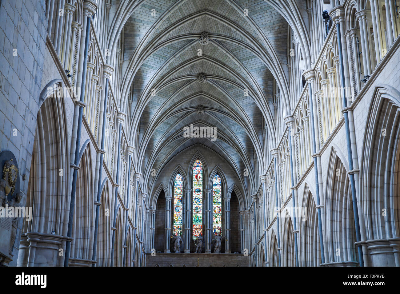 Cathedral vaulted ceiling blog avie for Difference between vaulted and cathedral ceiling