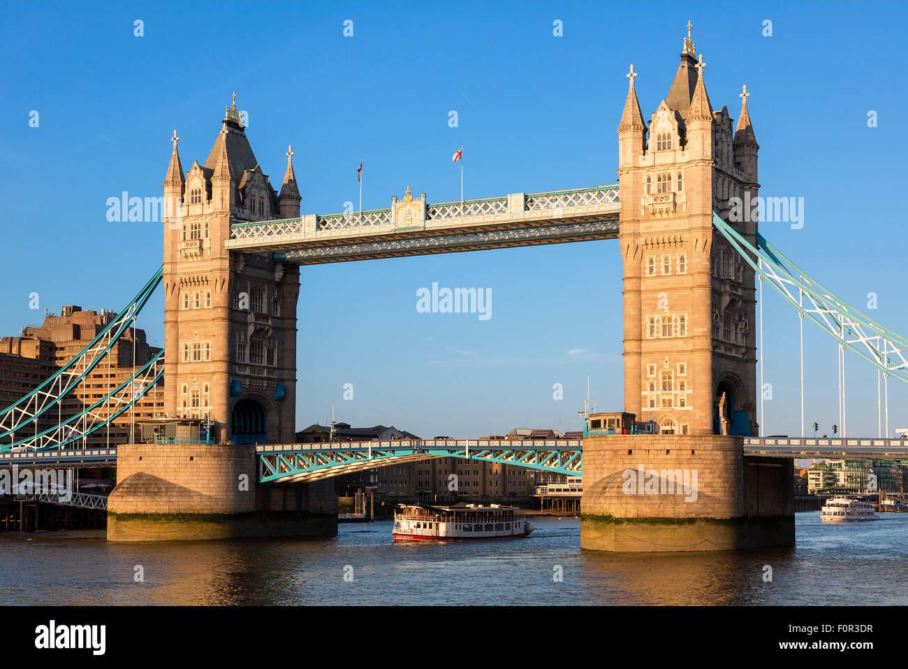 London, Tower bridge at sunset - Stock Image