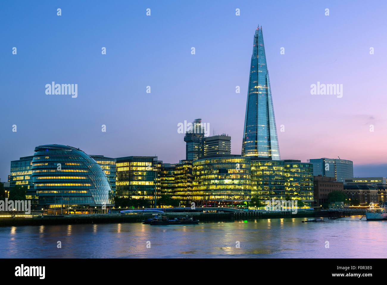 London, Shard London Bridge at Dusk - Stock Image