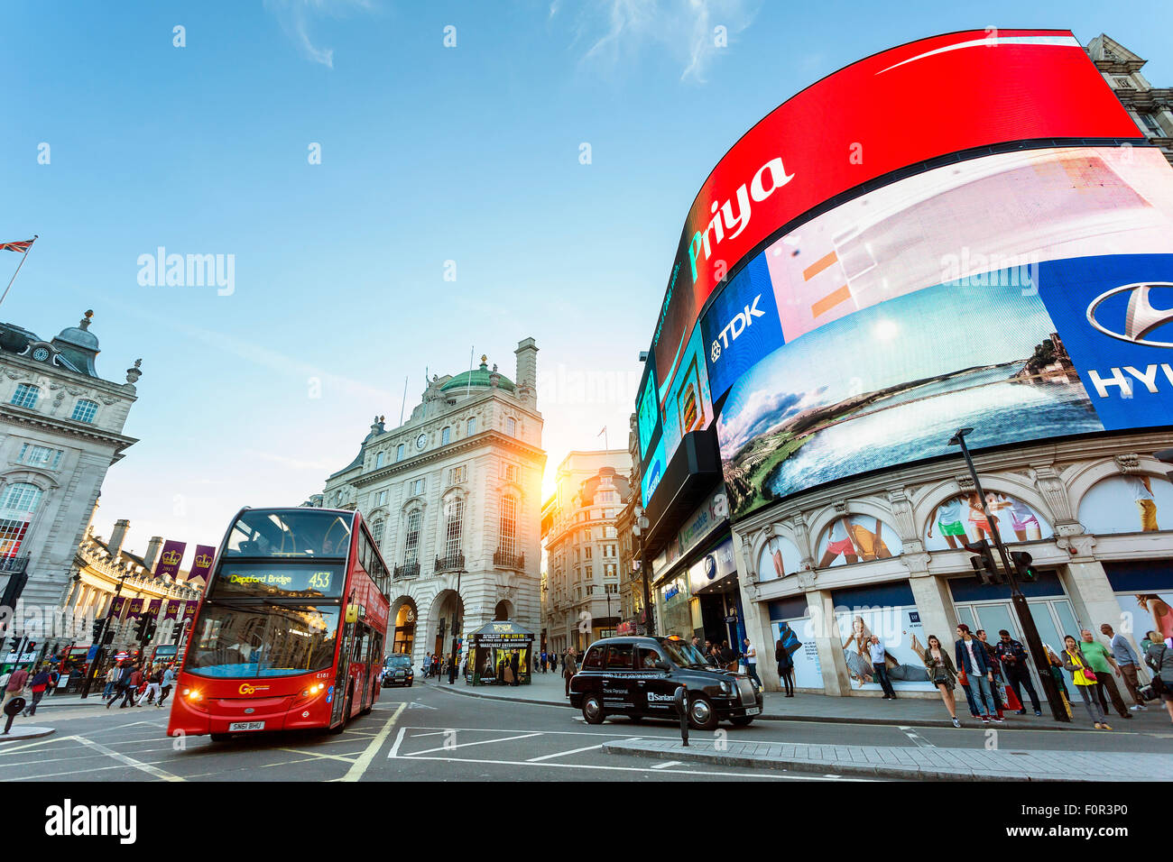 London, Traffic at Piccadilly Circus - Stock Image