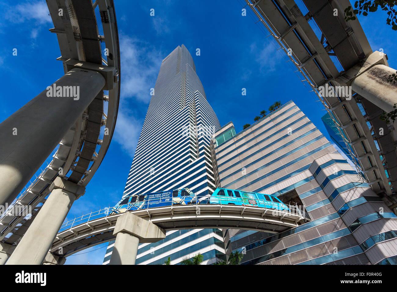 Metrorail and Miami Tower, Miami downtown - Stock Image