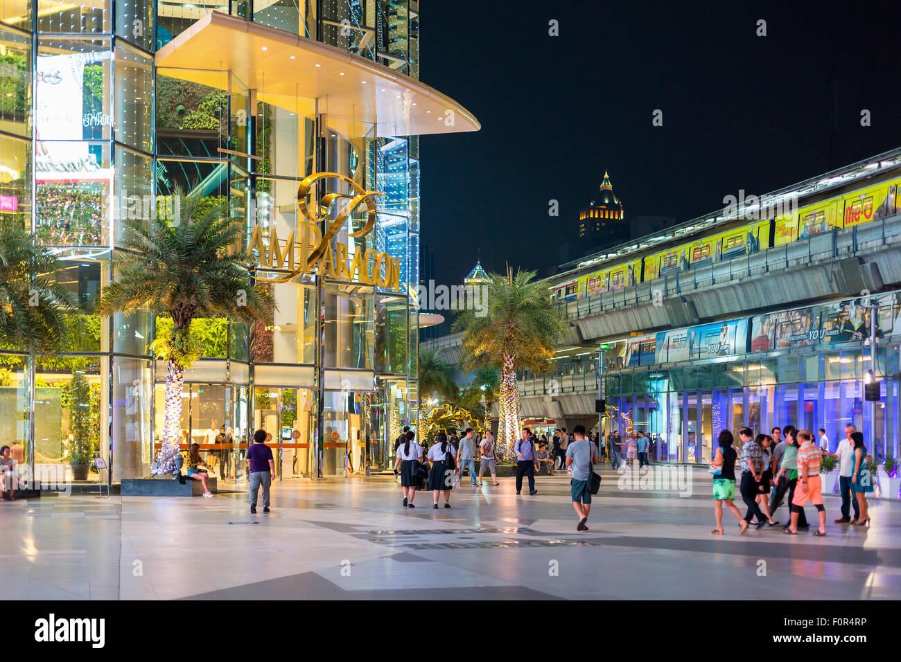Thailand, Bangkok, Shopping Mall Siam Paragon at Night - Stock Image