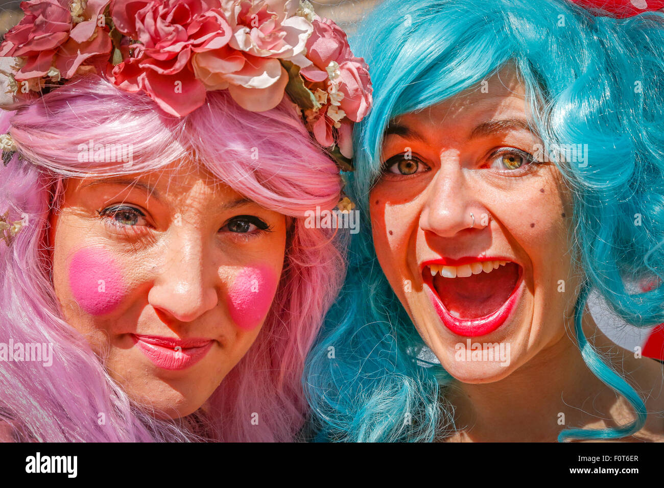 Two actresses, Anja Conti and Laura Jeffs, in costume, advertising the show called 'Floss and Boo' at the - Stock Image