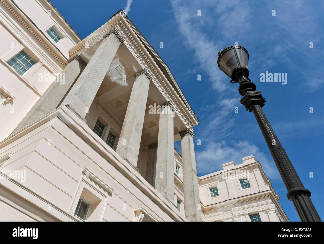 Lanesborough Hotel, colonnaded portico. Lanesborough Hotel, London, United Kingdom. Architect: Reardon Smith Architects - Stock Image