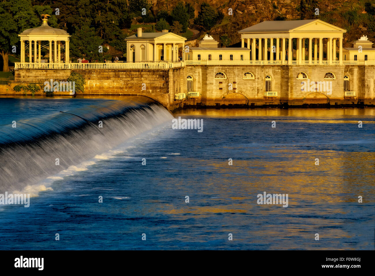 Fairmount Park and the waters of the Fairmount Water Works on the Schuylkill river dam in Philadelphia, Pennsylvania. - Stock Image