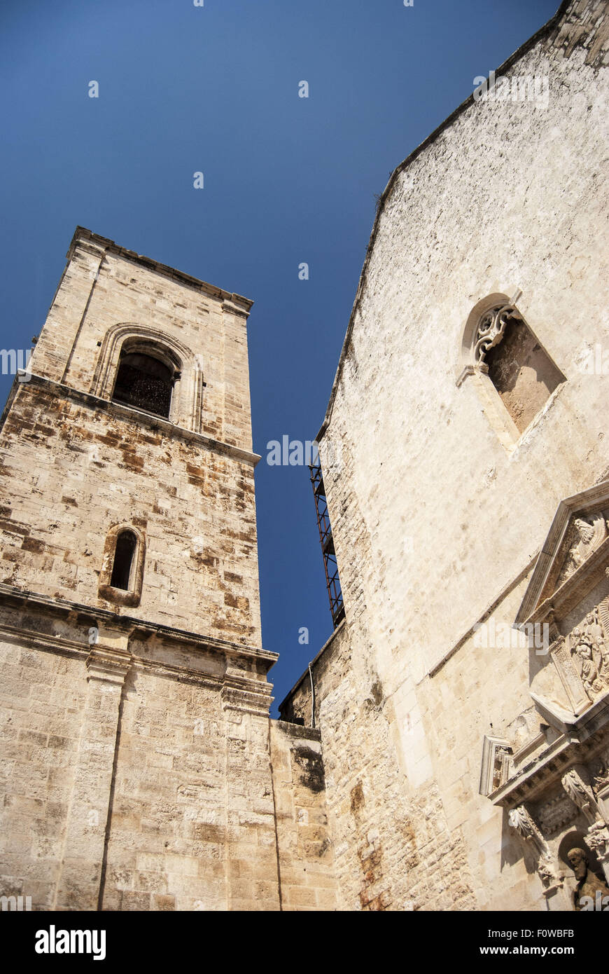 Chiesa matrice stock photos chiesa matrice stock images alamy - Specchia polignano a mare ...