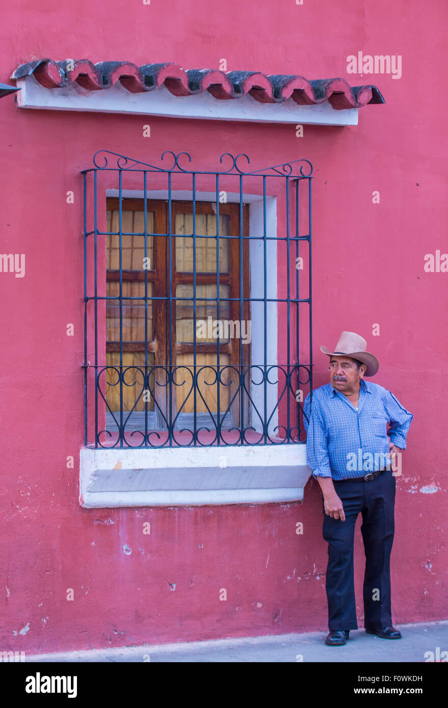 Guatemalan Man at the street of Antigua Guatemala - Stock Image