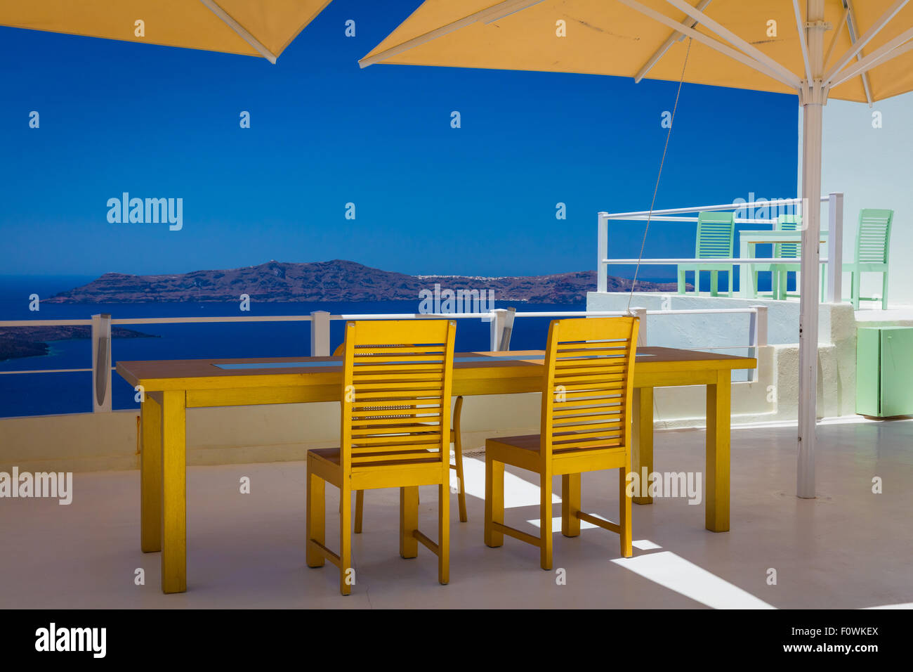 Patio with a view in the town of Thira on the greek island Santorini (Thera) - Stock Image
