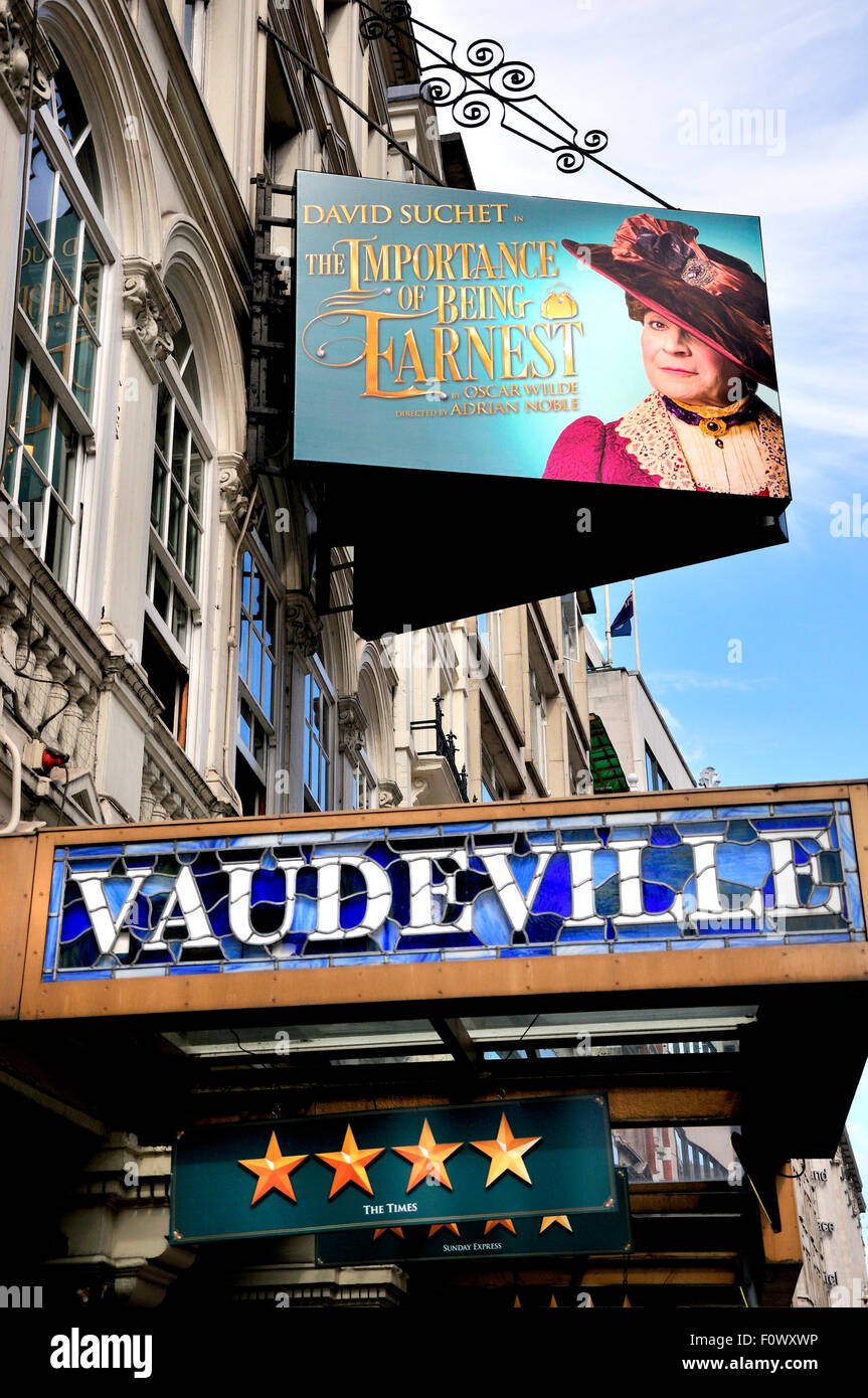 London, England, UK. David Suchet in The Importance of Being Earnest at the Vaudeville Theatre, Strand. - Stock Image