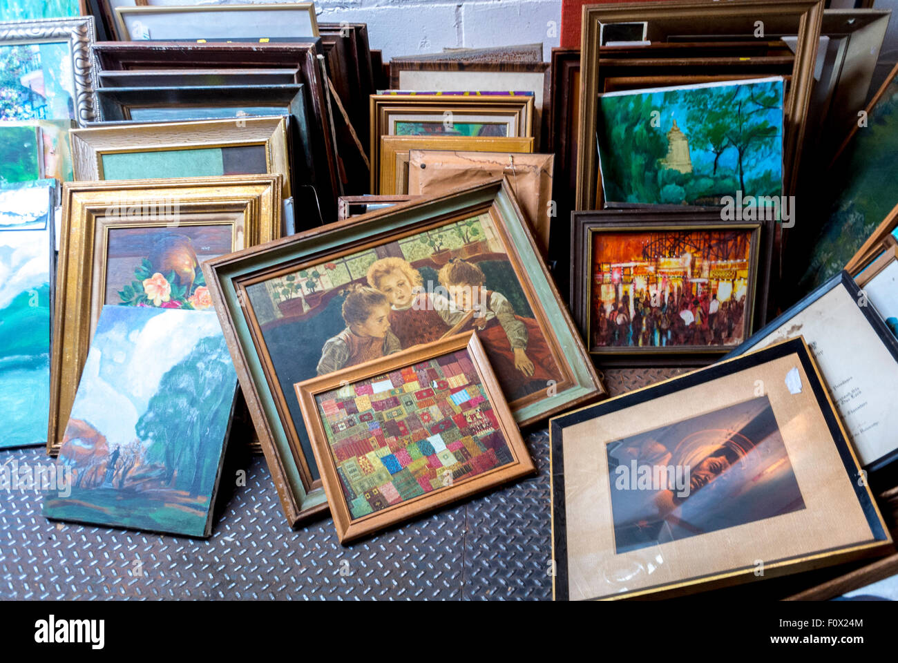 New York City, USA, Old Picture Frames on display in Vintage Store ...