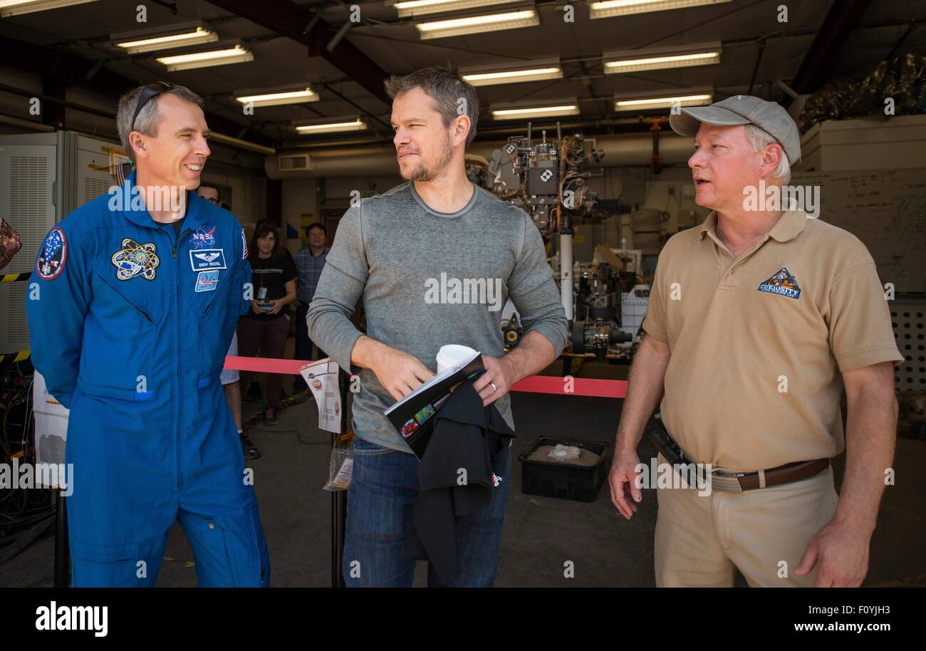 NASA Astronaut Drew Feustel, left, with Actor Matt Damon join Mars Science Lab Project Manager Jim Erickson at the - Stock Image