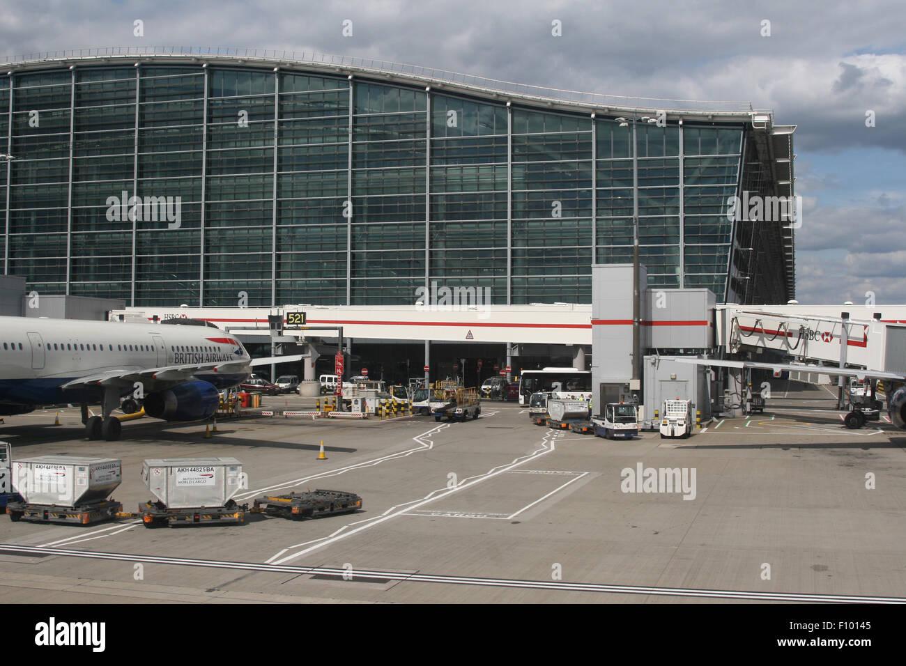 BA BRITISH AIRWAYS IAG TERMINAL 5 HEATHROW - Stock Image