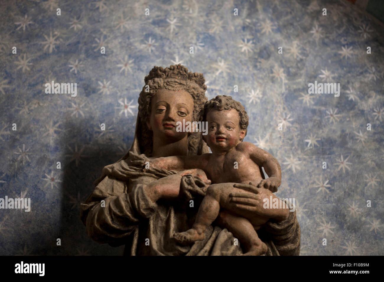 Statue Virgin Mary Baby Jesus Stock Photos Amp Statue Virgin