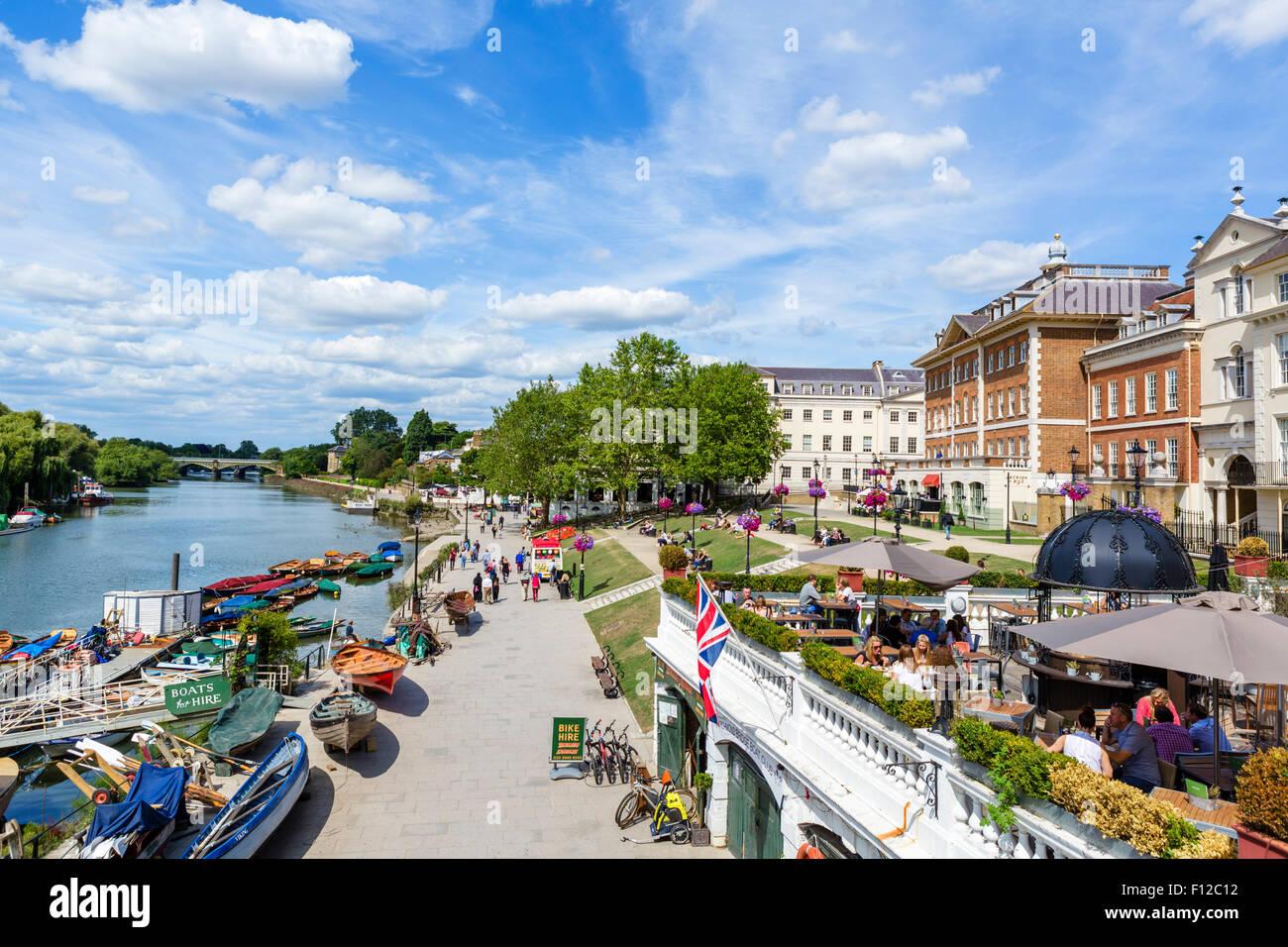 Riverside and Thames Path from Richmond Bridge, Richmond upon Thames, London, England, UK - Stock Image