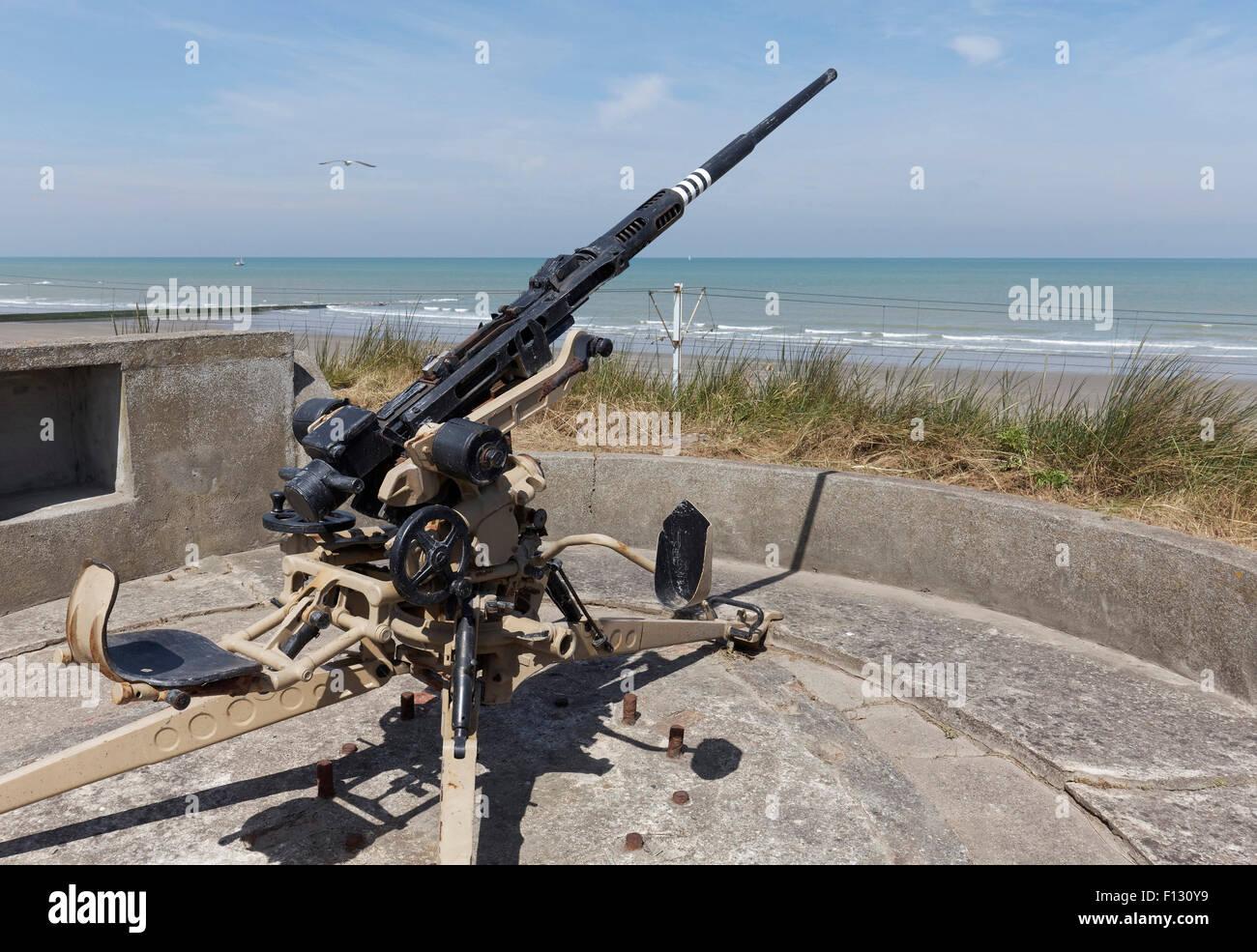 Gun emplacement with an antiaircraft cannon, 2 cm FLAK 28 Oerlikon, open-air museum Atlantic Wall, Raversijde or - Stock Image